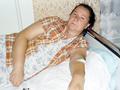 Київська вчителька погрожує самоспаленням, якщо у неї відберуть будинок