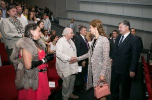 Дружина Порошенка з'явилася на публіці ііз сумкою за понад півмільйона гривень