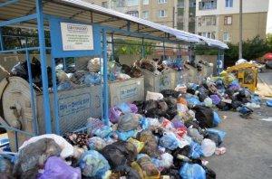 Садовий і «Самопоміч» заблокували рішення міської ради про виїзне засідання уряду щодо львівського сміттєвого колапсу
