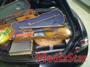 На митному посту «Ужгород» припинено незаконне вивезення старовинних скрипок