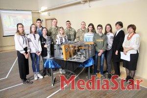 Подвиг воїнів України закарбований дитячими руками