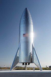 Маск показав реальне фото космічного корабля Starship