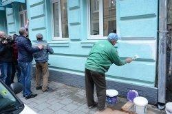 Фасад будинку на вул. Шолом-Алейхема, 18 перефарбують комунальні служби Галицької РА