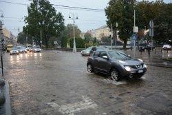 Підтоплень та затримок в русі транспорту через сильний дощ нема
