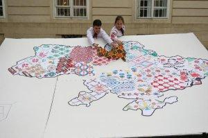 У Львові створили карту, яка показує різноманітність українських вишиванок