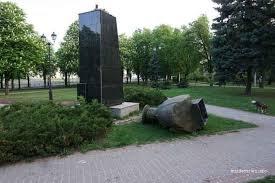 УІНП відповів Зеленському: пам'ятник Жукову мав бути знесений, правової колізії немає