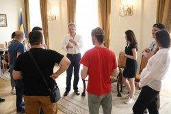 Мер Львова зустрівся з кримськотатарськими активістами