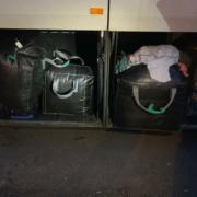 Закарпатські митники вилучили майже 90 кг одягу