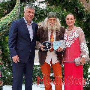 Під час цьгогорічної церемонії нагородження BOOM AWARDS зібрали 425 тисяч гривень для потреб дітей