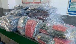 У рейсовому автобусі з Польщі  митники виявили понад 300 одиниць  одягу