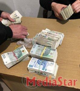 Митники вилучили валюти на понад півтора мільйона грн.