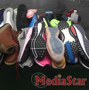 Працівники Галицької митниці вилучили 120 пар  спортивного взуття