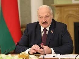 Лукашенко відібрав дипломатичні ранги в трьох послів Білорусі