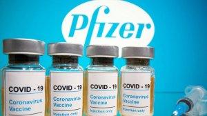Шмигаль анонсував майже пів мільйона доз вакцини Pfizer для освітян
