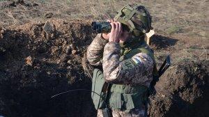 Окупанти поранили українського військового