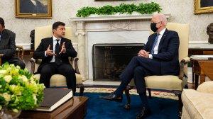 Зеленський розповів про півгодинну розмову з Байденом щодо членства України в НАТО