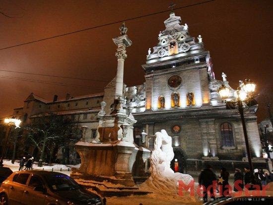 У Львові симпозіум снігових фігур (ФОТО)