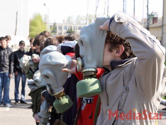 Сихівських школярів вчили захищатись від зброї масового знищення (ФОТО)