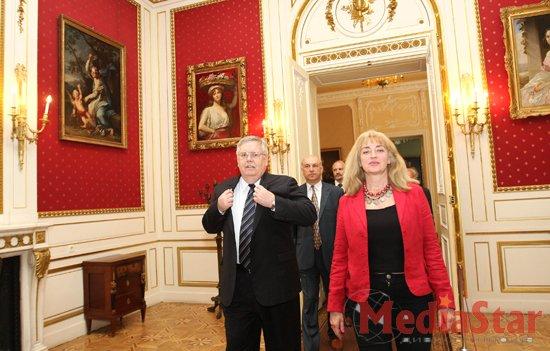 Вперше в Україні у Львові презентували «Історію Америки» українською мовою (ФОТО)